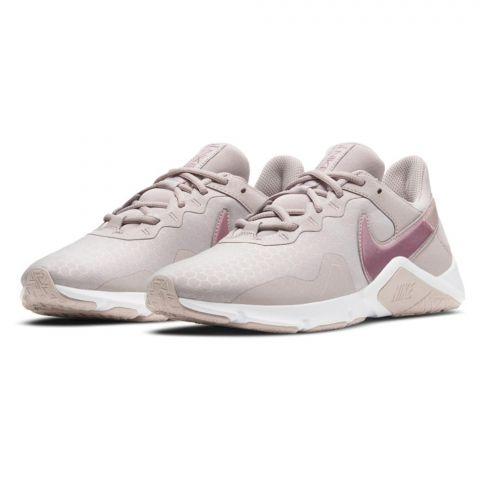 Nike-Legend-Essential-2-Schoen-Dames-2110081003