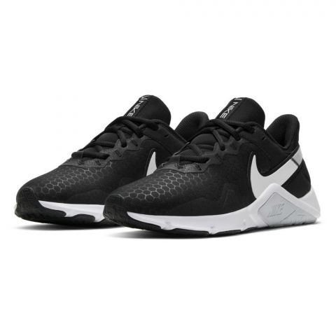 Nike-Legend-Essential-2-Schoen-Dames